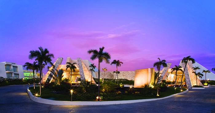 grand-sirenis-riviera-maya-lobby_small