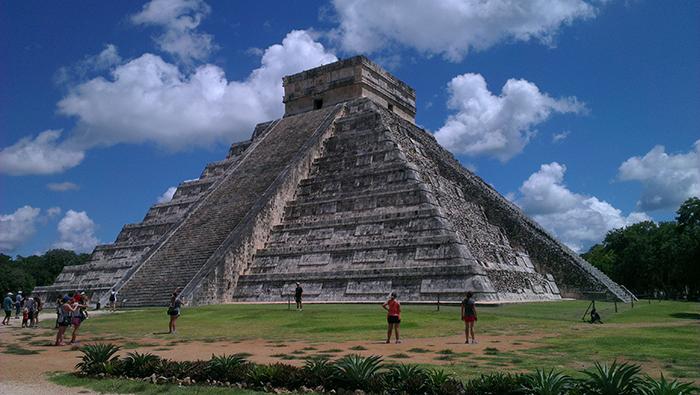mayan-big-pyramid
