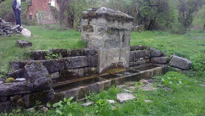 Staro selo Milanovo - cheshma