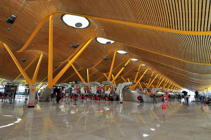 Adolfo Suarez Madrid–Barajas T4