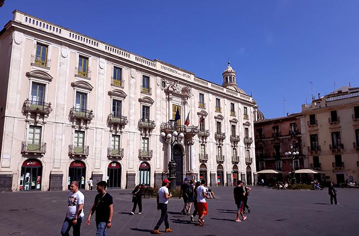 Piazza Università 1