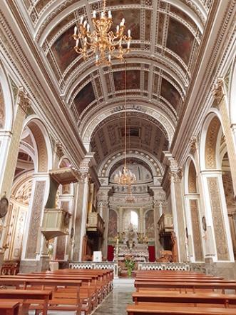 Черквата Maria Santissima del Rosario отвътре