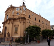 Черквата Maria Santissima del Rosario отстрани