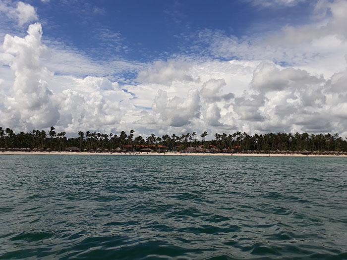 Брегът на нашия хотел, заснет откъм морето